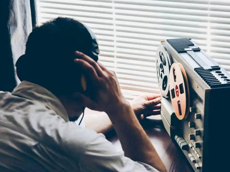 Wykrywanie podsłuchów i zapobieganie inwigilacji